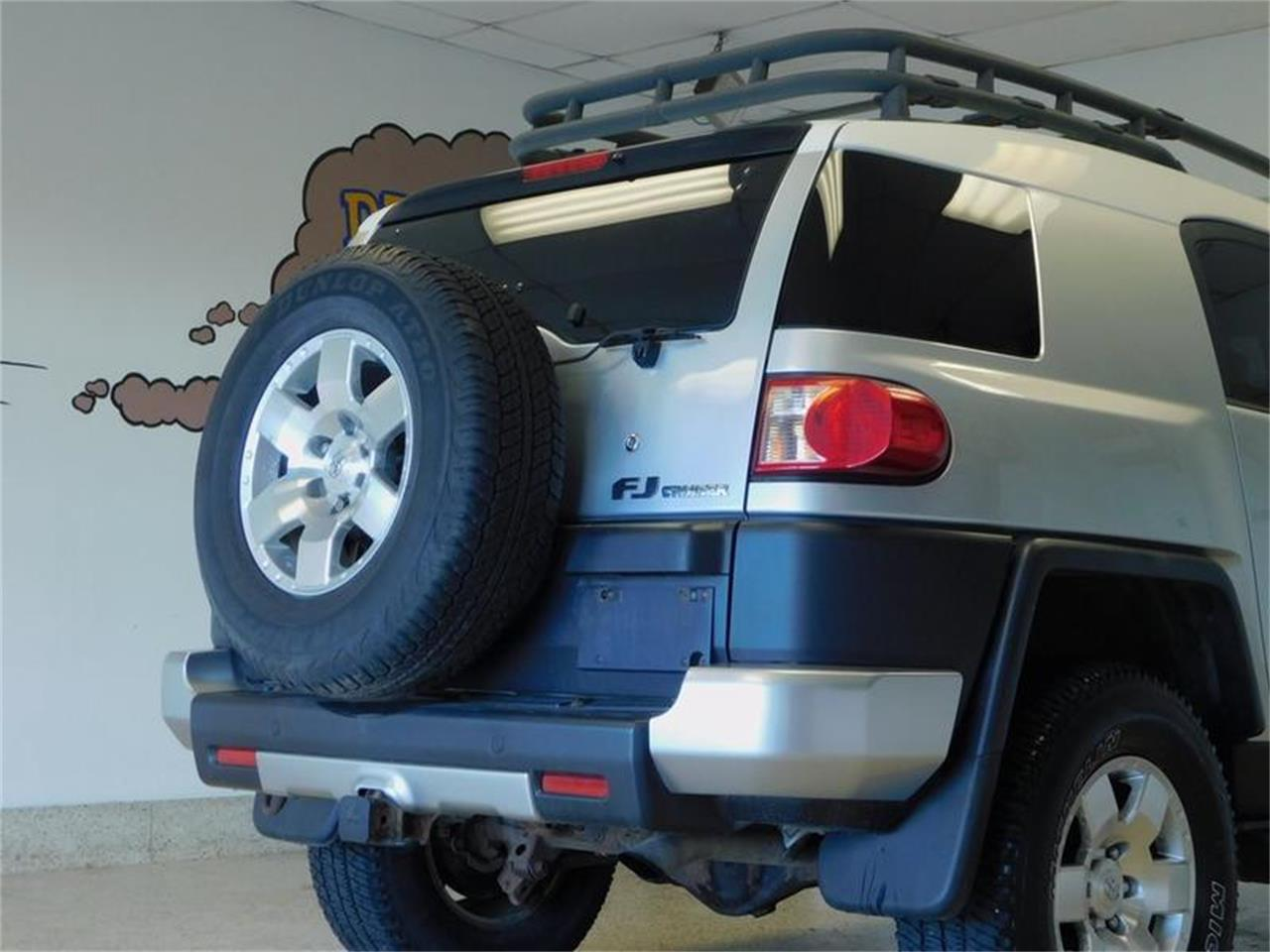 Large Picture of 2007 Toyota FJ Cruiser - $14,988.00 Offered by Superior Auto Sales - OKX8