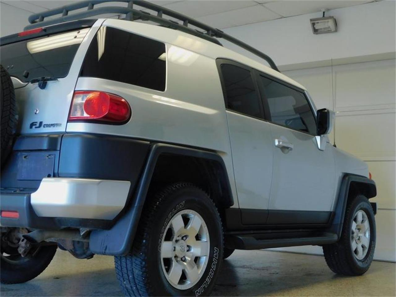 Large Picture of 2007 Toyota FJ Cruiser located in Hamburg New York - $14,988.00 Offered by Superior Auto Sales - OKX8