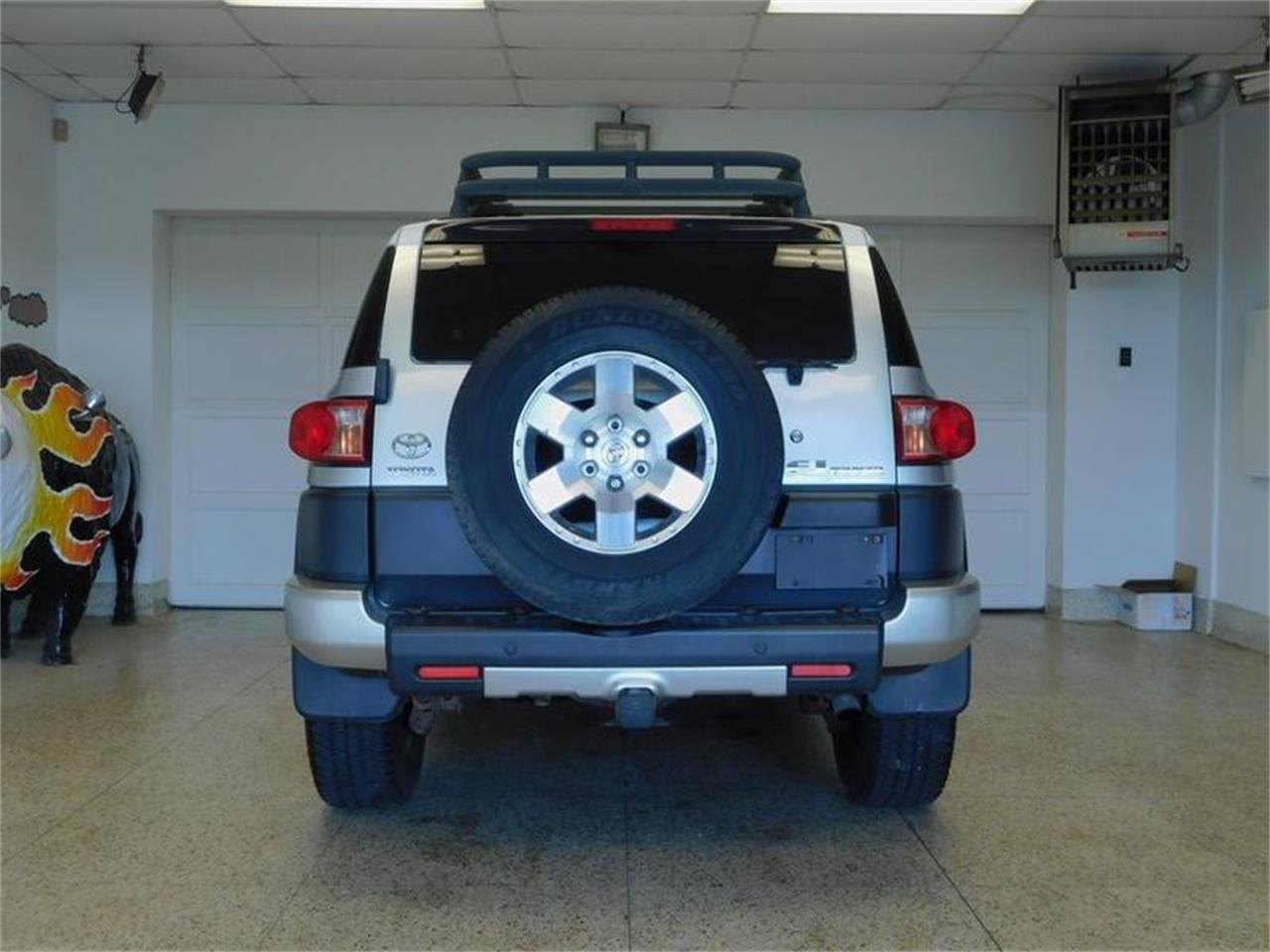 Large Picture of '07 Toyota FJ Cruiser - $14,988.00 Offered by Superior Auto Sales - OKX8
