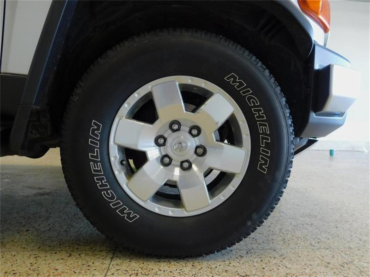 Large Picture of '07 FJ Cruiser located in New York - $14,988.00 Offered by Superior Auto Sales - OKX8