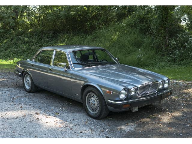 Picture of '87 XJ12 located in Pennsylvania - $17,950.00 - OLTA