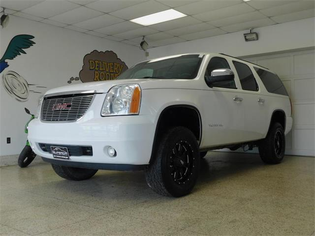 Picture of 2010 GMC Yukon located in New York - OLWD