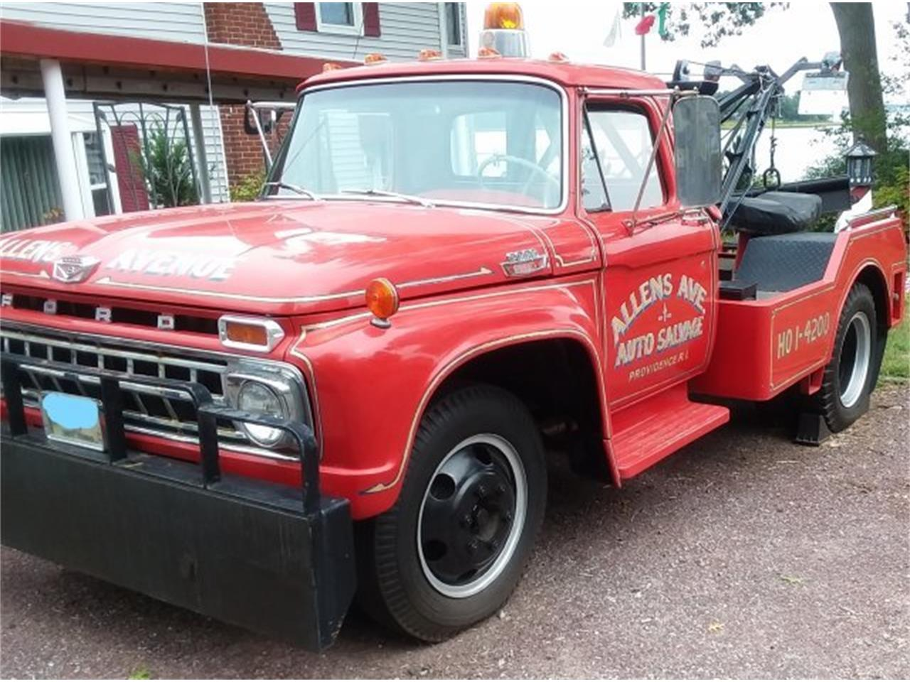 Large Picture of Classic 1965 Ford F600 - OLZY