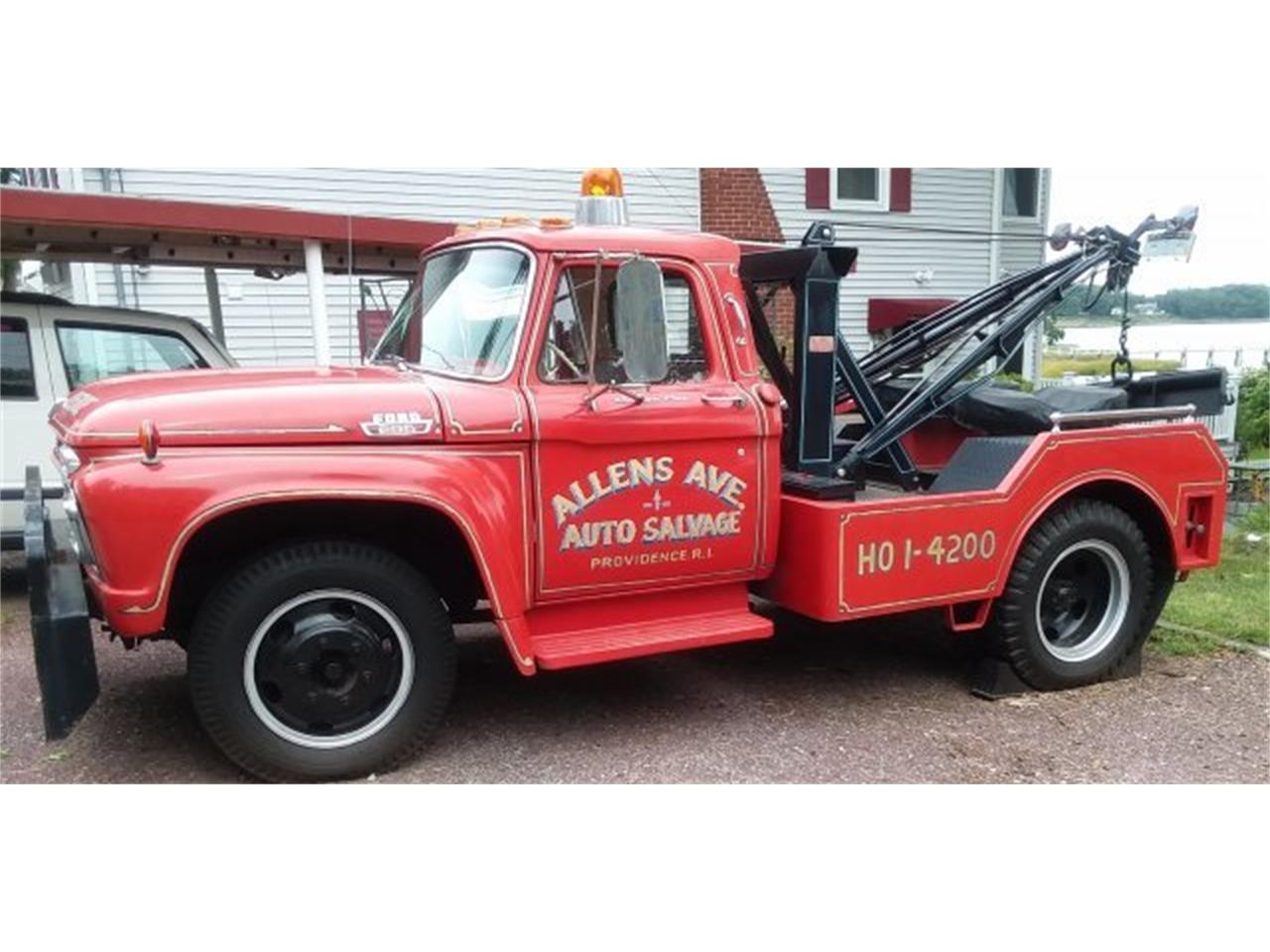 Large Picture of 1965 Ford F600 Offered by CARuso Classic Cars - OLZY