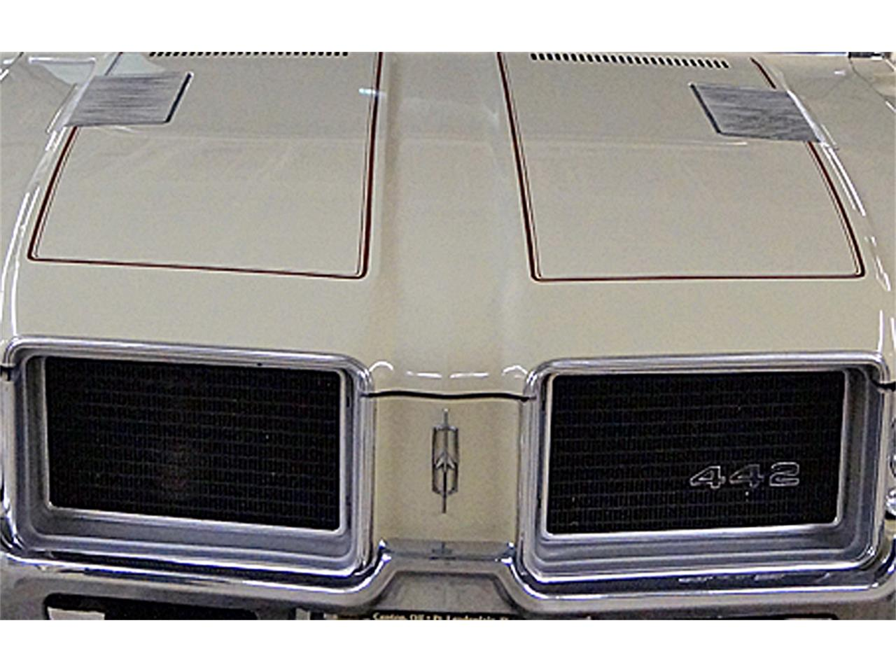 Large Picture of Classic '71 Oldsmobile 442 located in Ohio Offered by Motorcar Portfolio - OM39