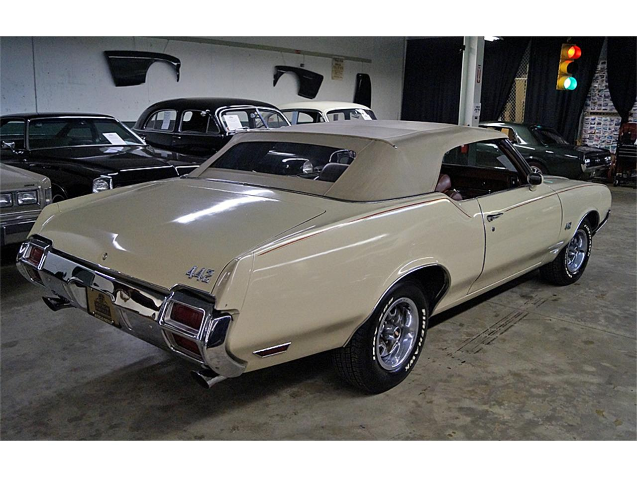 Large Picture of 1971 442 located in Canton Ohio Offered by Motorcar Portfolio - OM39