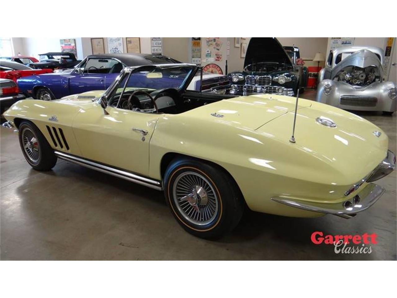 Large Picture of 1965 Chevrolet Corvette - OMKM