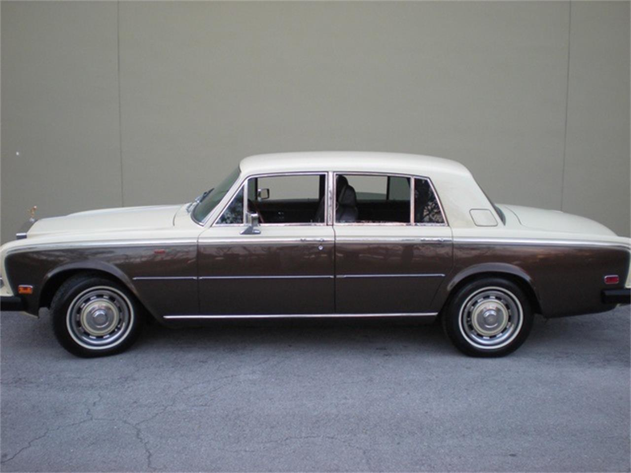 Large Picture of '76 Silver Shadow - OMXG