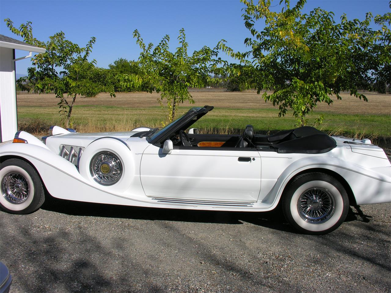 Large Picture of '90 Convertible - ON51
