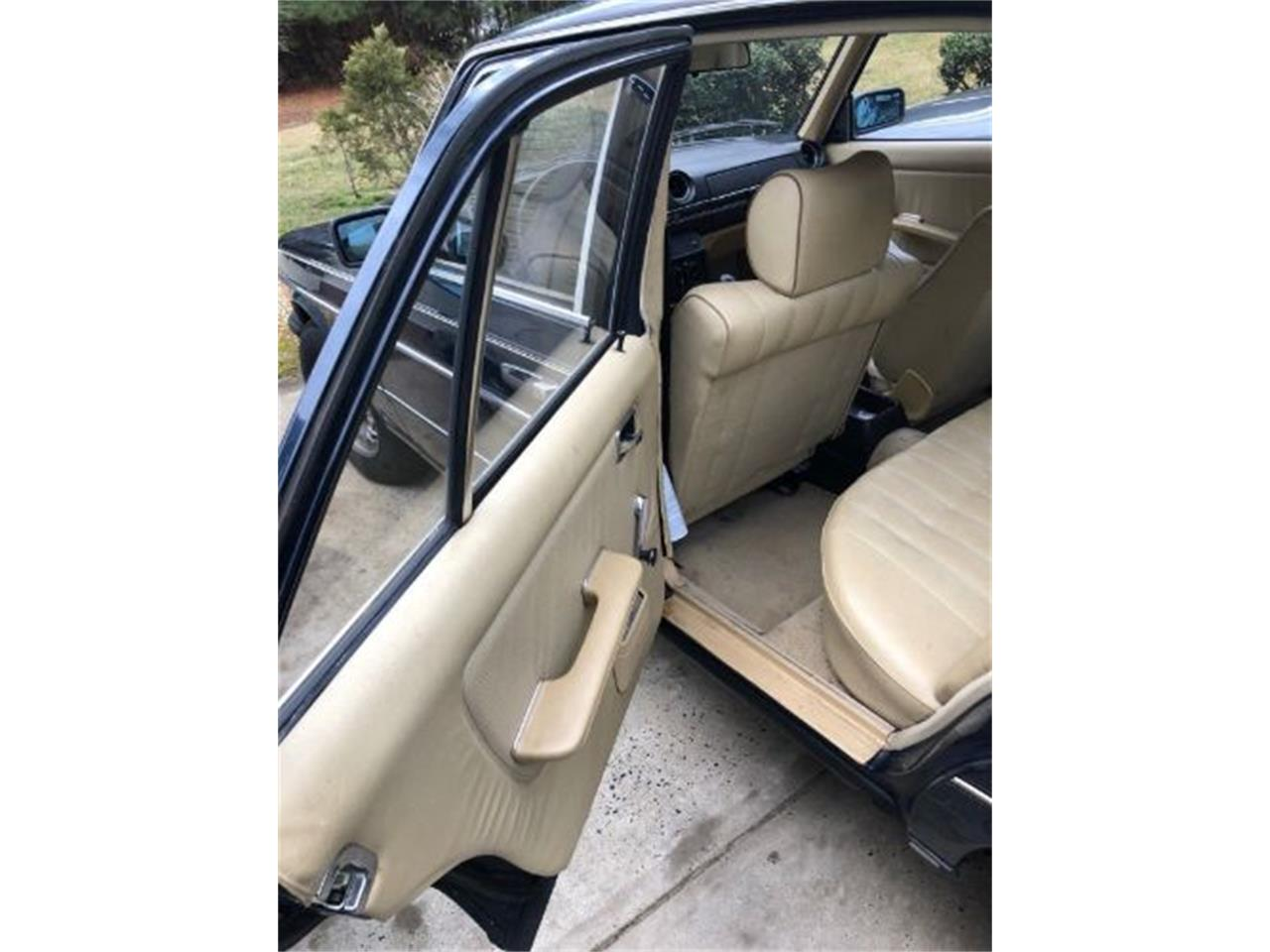 Large Picture of '80 Mercedes-Benz 300D - $7,395.00 - ON89