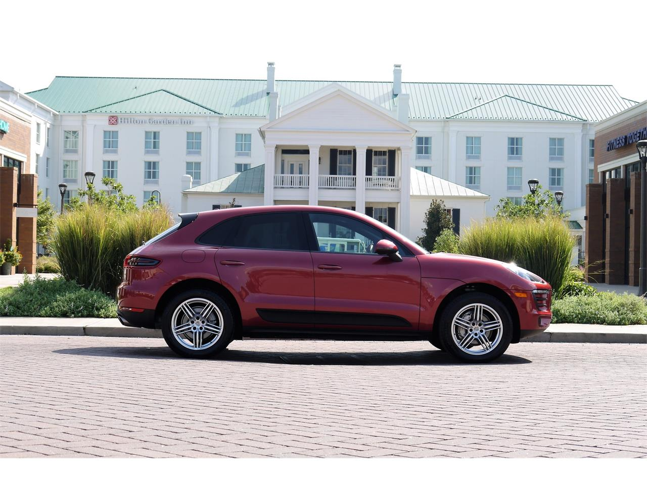 Large Picture of '15 Macan - OOAI