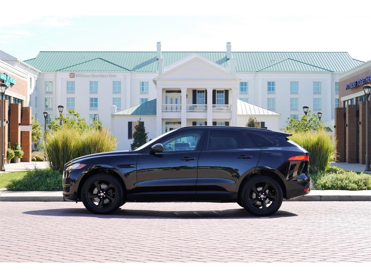 Large Picture of 2017 Jaguar F-PACE located in Brentwood Tennessee - OOIB