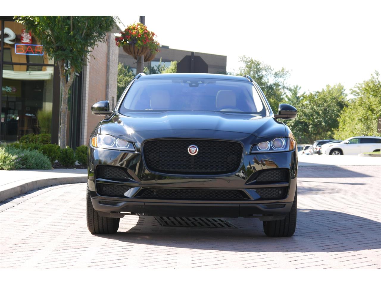 Large Picture of '17 F-PACE - OOIB