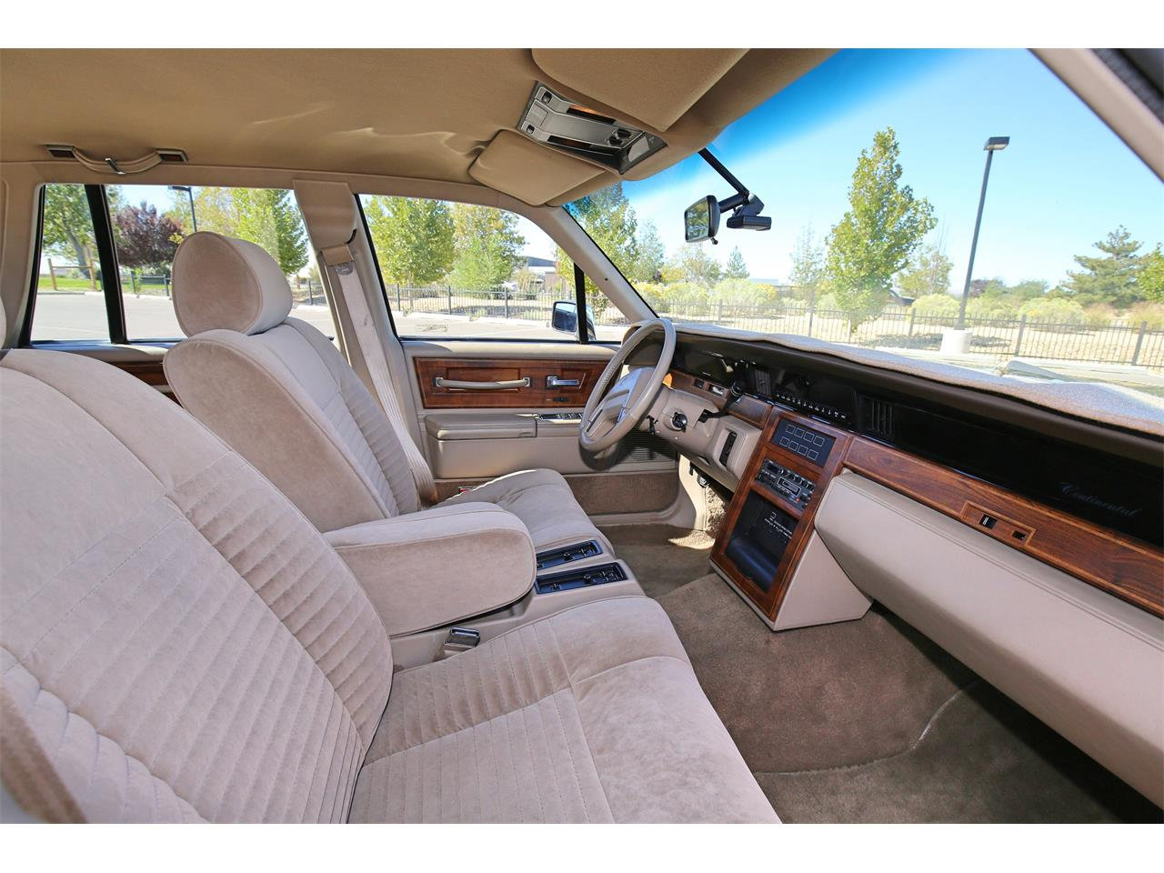 Large Picture of 1987 Lincoln Continental - $18,500.00 Offered by a Private Seller - OOIS