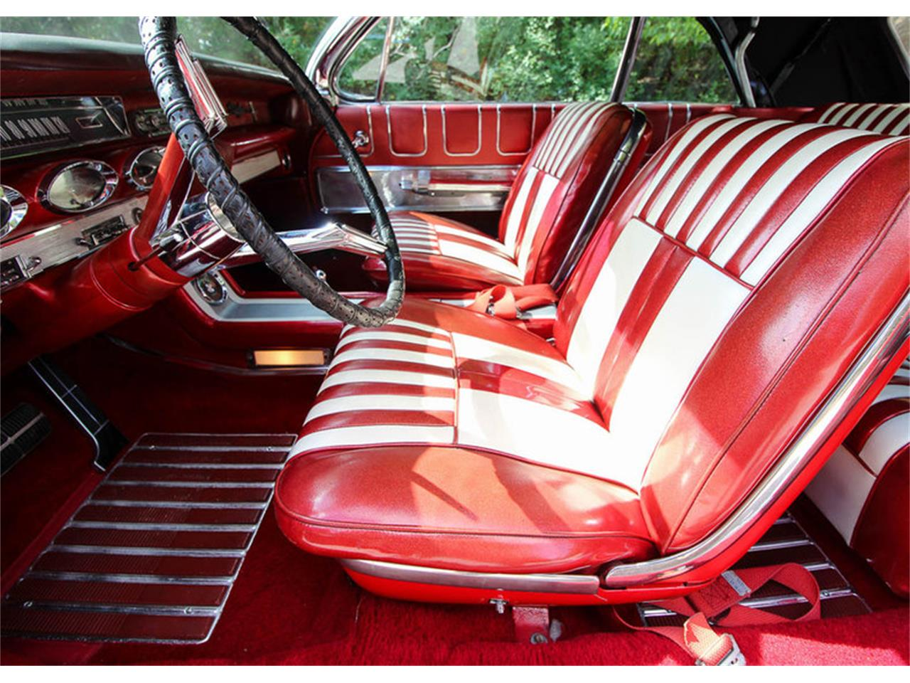 Large Picture of Classic '61 Oldsmobile Starfire located in Dallas Texas Offered by Leake Auction Company - OONR