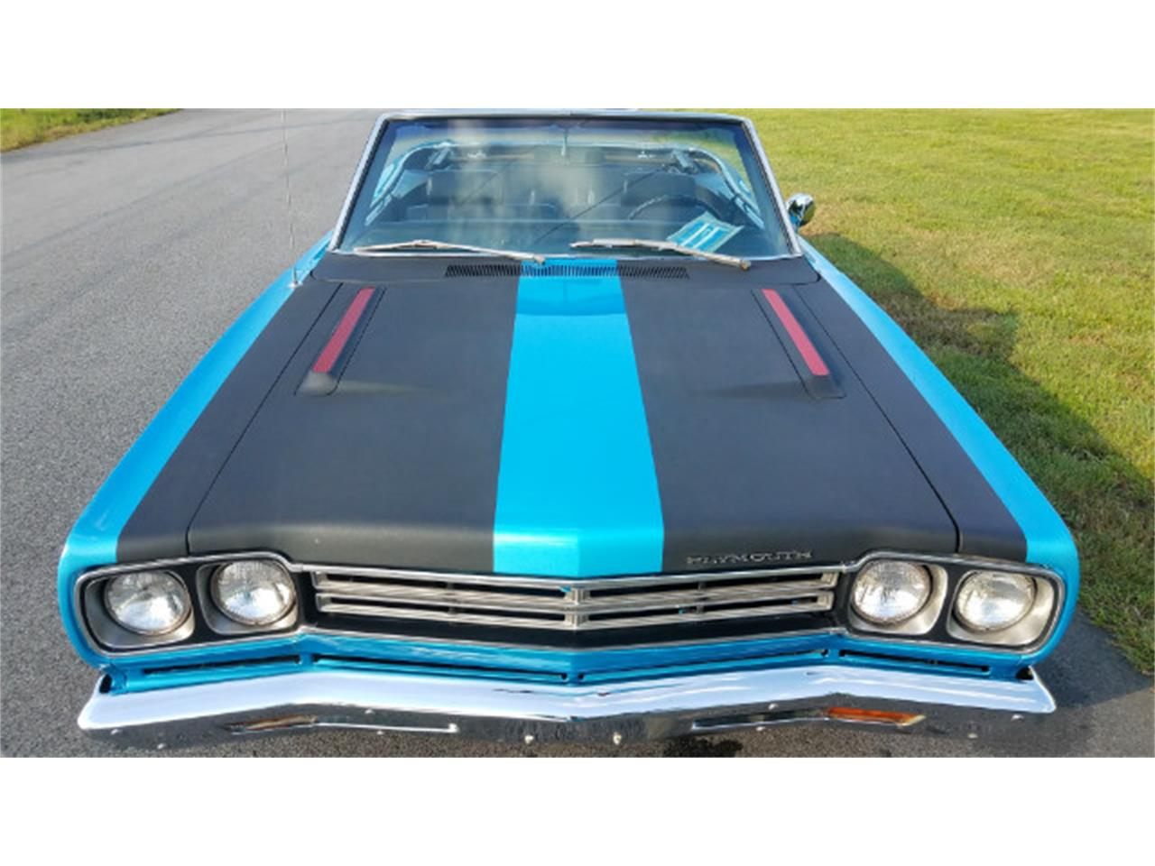 Large Picture of '69 Road Runner - OOOW