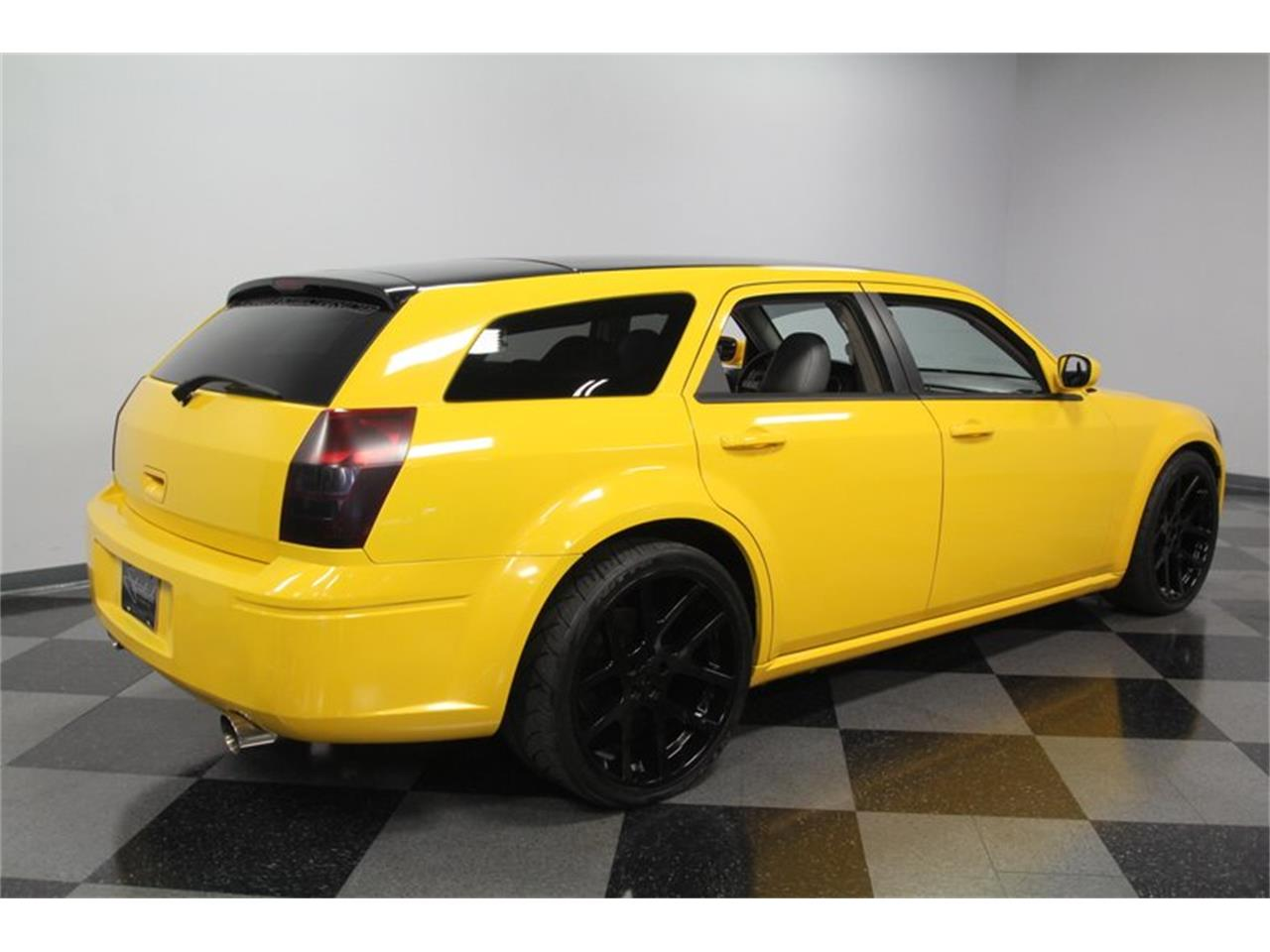 Large Picture of 2005 Dodge Magnum Offered by Streetside Classics - Charlotte - OORB