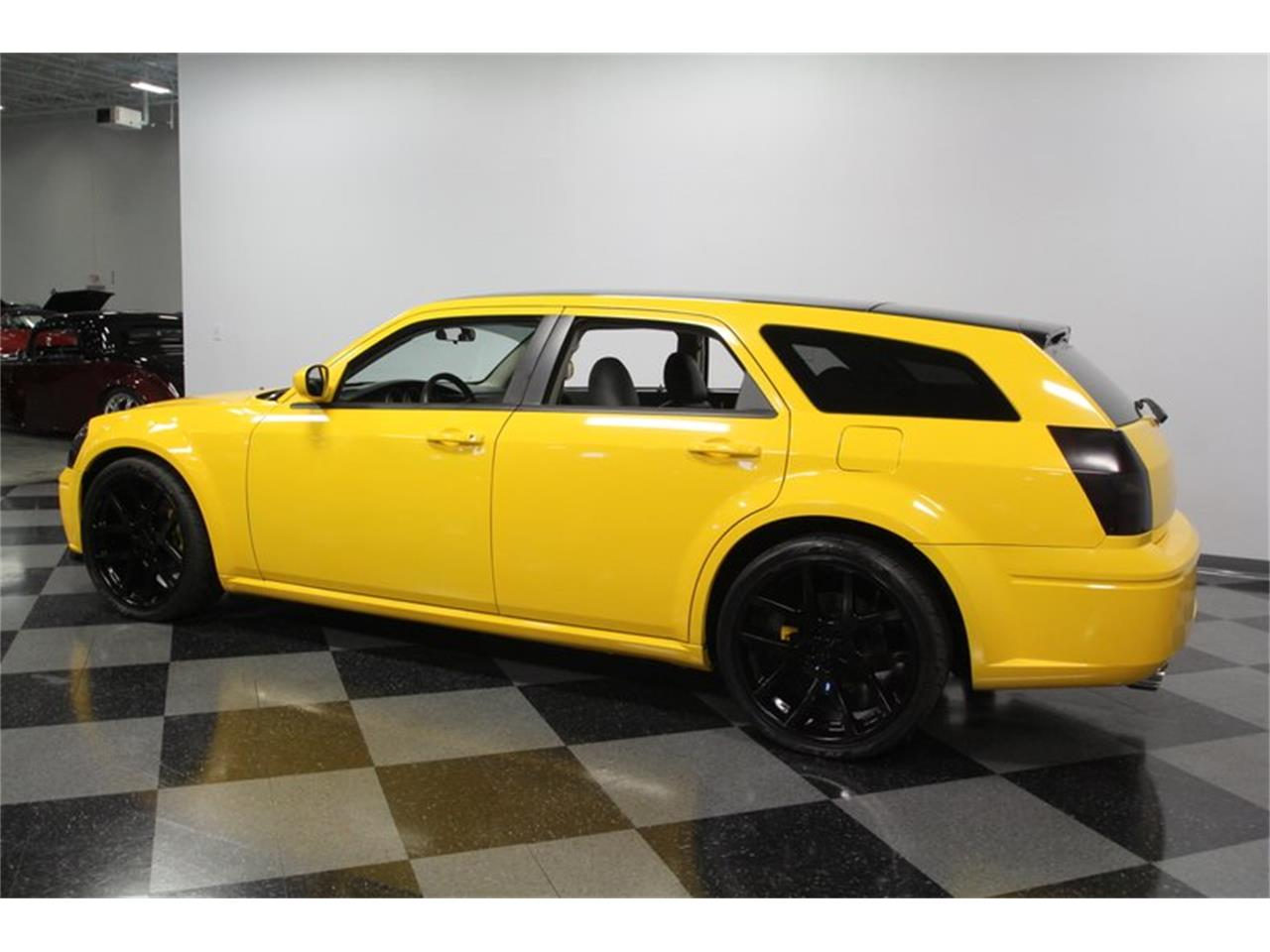 Large Picture of '05 Dodge Magnum located in North Carolina - $17,995.00 Offered by Streetside Classics - Charlotte - OORB