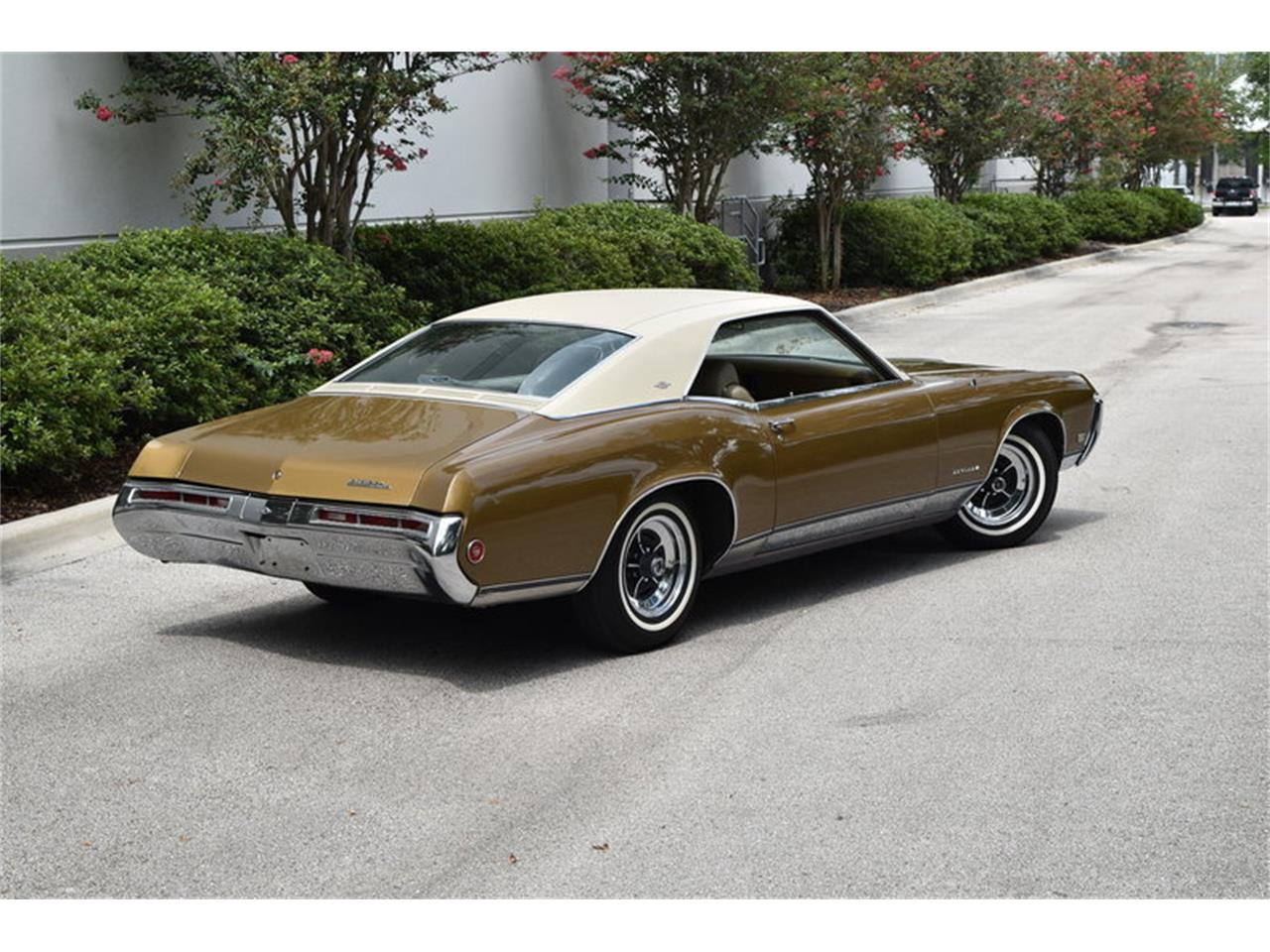 Large Picture of Classic '69 Riviera located in Florida Offered by SunCoast Auto Auction - ONHO