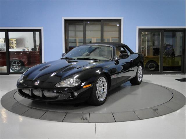 Picture of 2000 Jaguar XK8 located in Florida - OOUZ