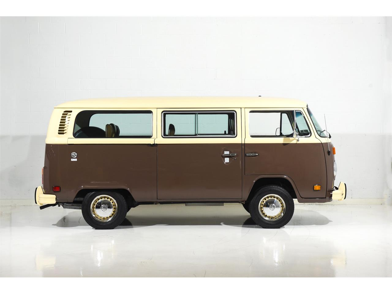 Large Picture of 1978 Volkswagen Bus Offered by Motorcar Classics - OOW9