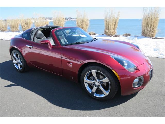 Picture of 2009 Pontiac Solstice located in Connecticut Offered by  - OOWG