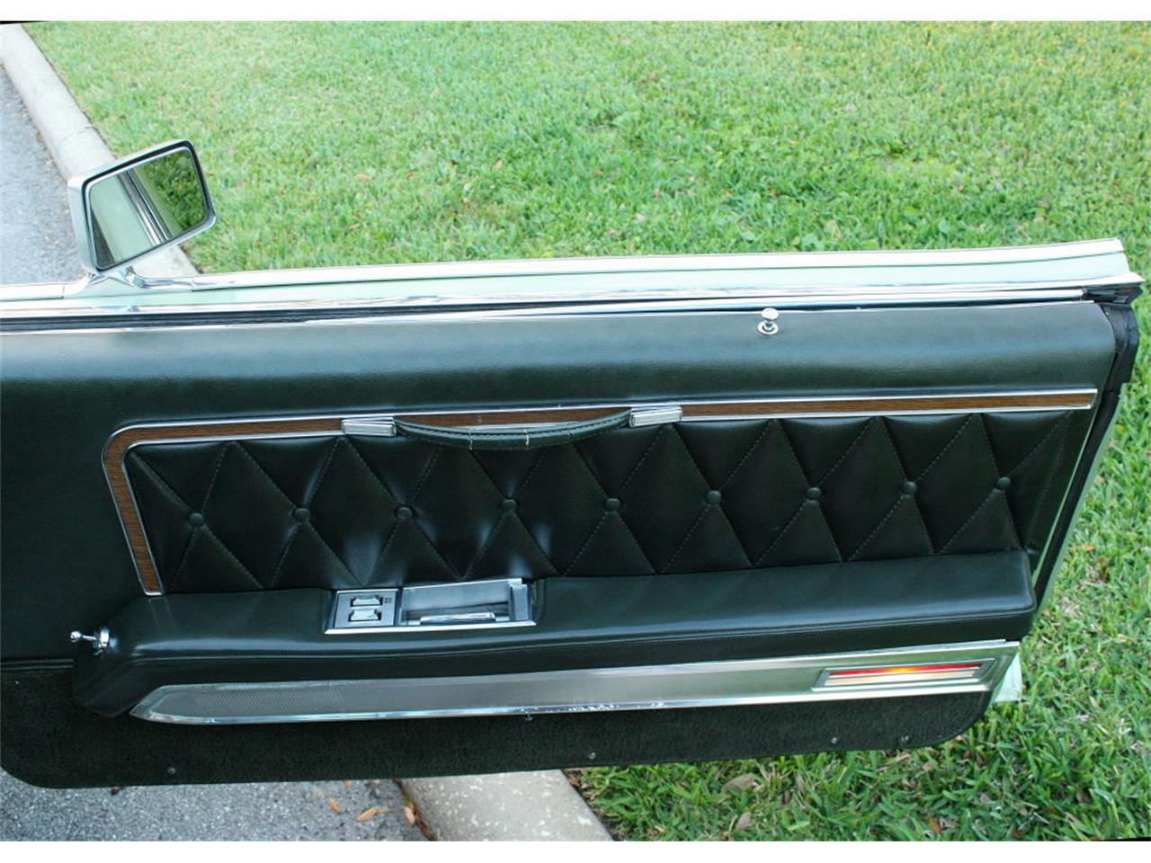 Large Picture of 1969 Lincoln Continental Mark III - OPDW