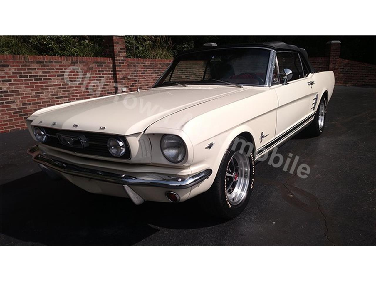 Large picture of classic 1966 ford mustang located in huntingtown maryland offered by old town automobile
