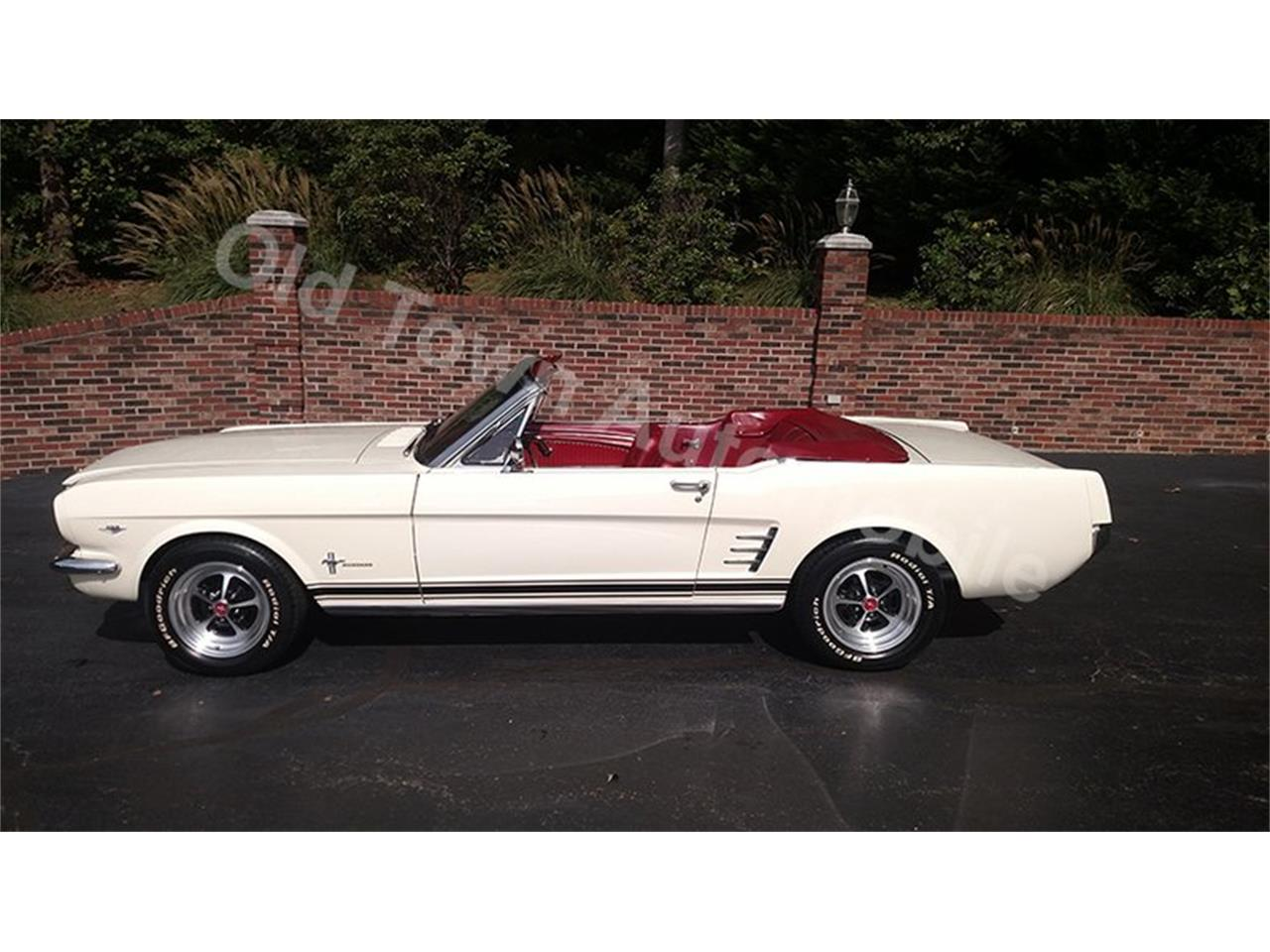 Large Picture of '66 Mustang - OPLB