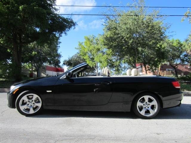 Picture of 2010 328i located in Florida - $15,901.00 Offered by  - ONKS