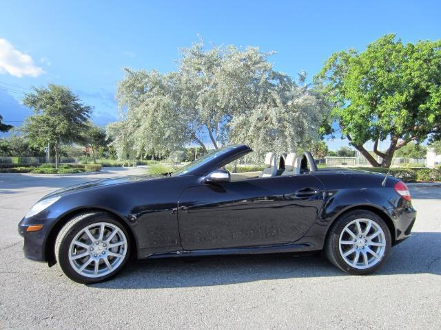 Picture of 2005 SLK-Class located in Delray Beach Florida Offered by  - OPP7