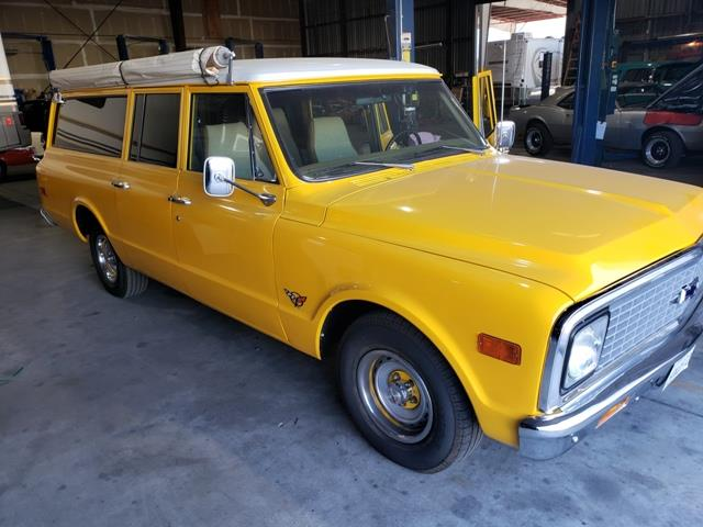 Picture of Classic '71 Suburban located in Palm Springs California Auction Vehicle Offered by  - OPXK