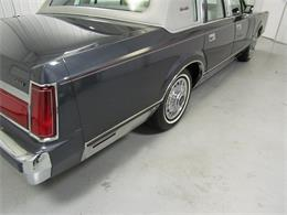 Picture of '85 Lincoln Town Car located in Virginia - OQD5