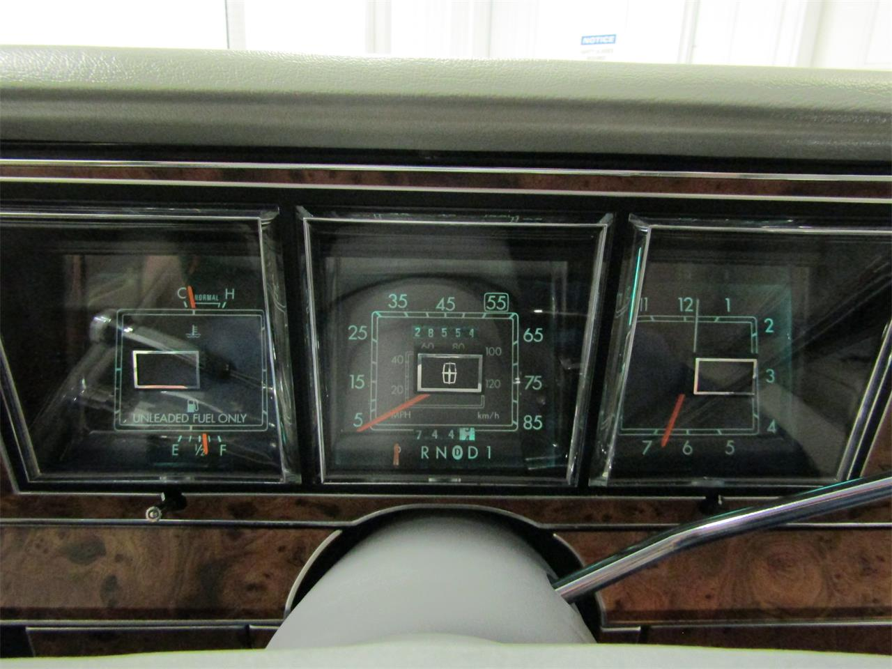 Large Picture of 1985 Lincoln Town Car - $17,927.00 Offered by Duncan Imports & Classic Cars - OQD5