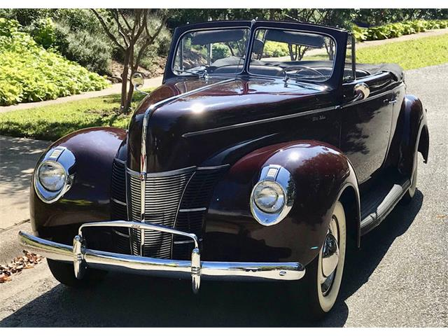 Picture of Classic 1940 Deluxe Auction Vehicle - OQFN