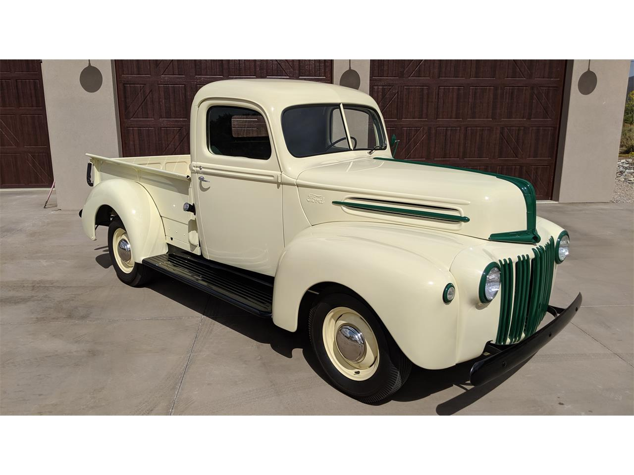 Large Picture of Classic '45 Ford Pickup located in Arizona - OQVH