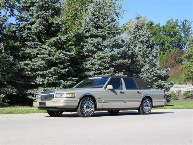 Picture of '96 Town Car - OQVU