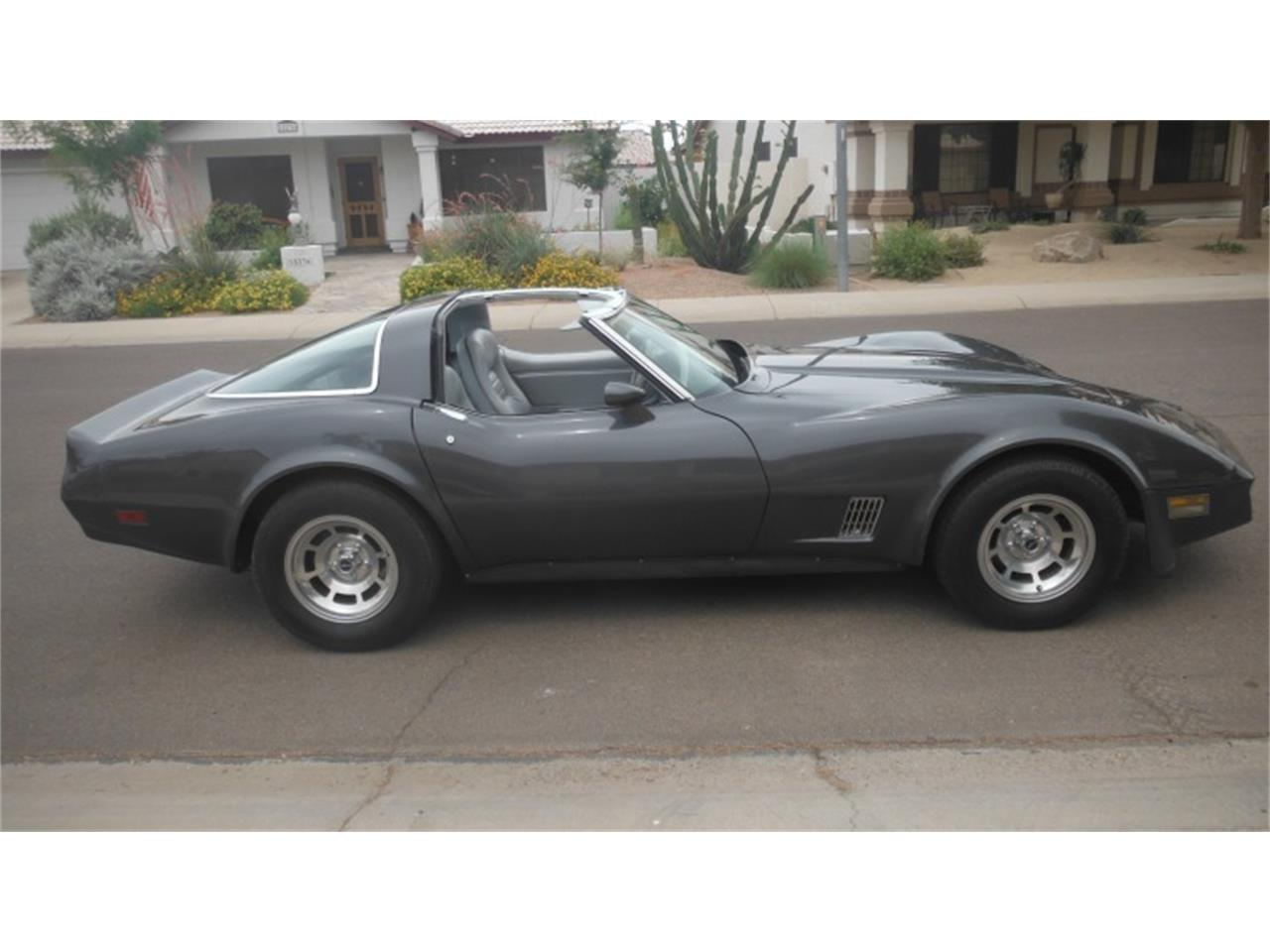 Large Picture of '81 Corvette - OR57