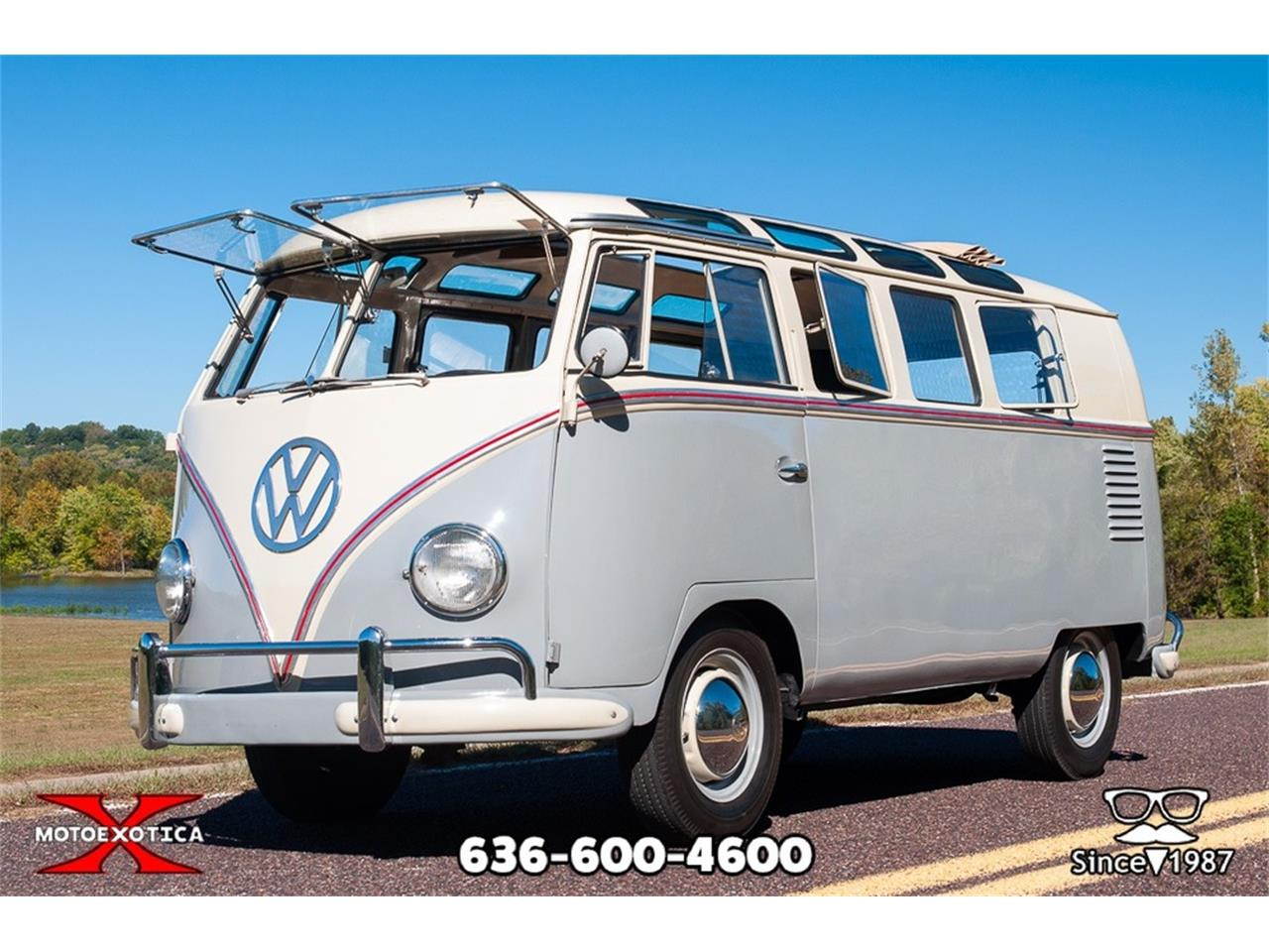 Large Picture of Classic '59 19-Window Bus located in Missouri - ORNF
