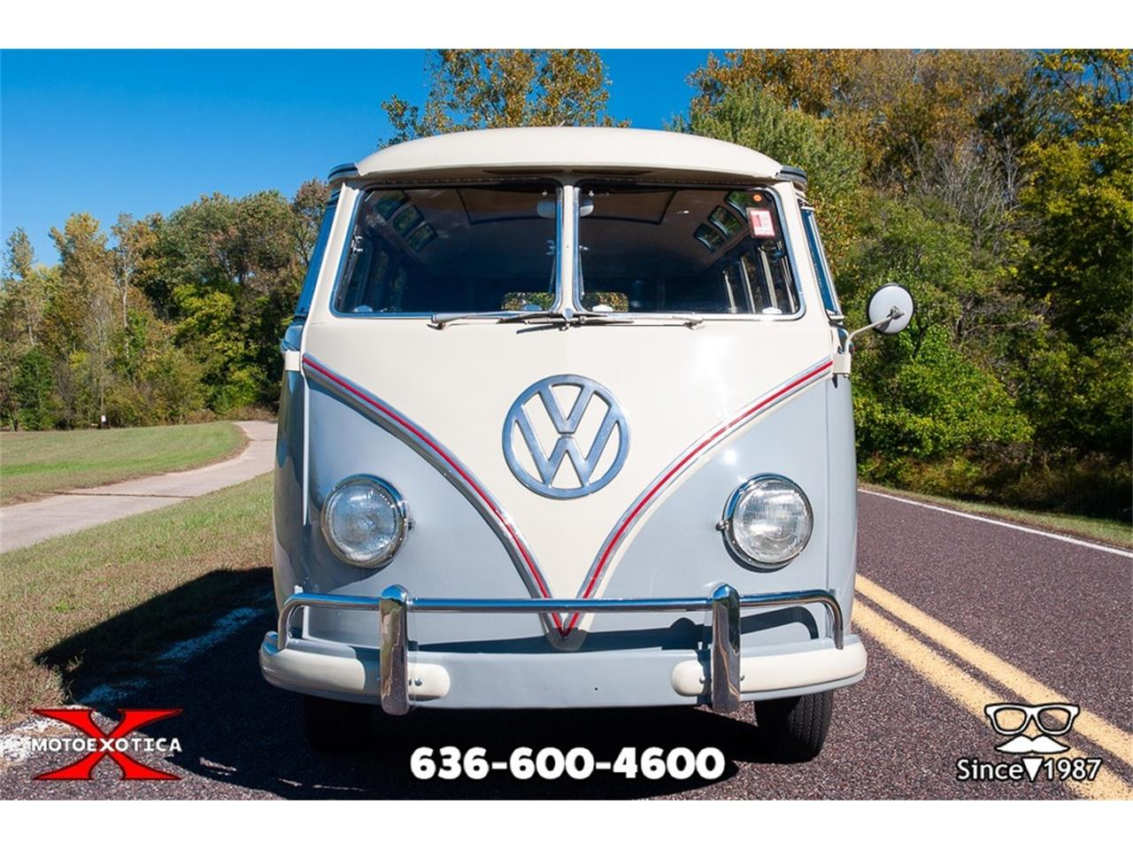 Large Picture of '59 Volkswagen 19-Window Bus Offered by MotoeXotica Classic Cars - ORNF