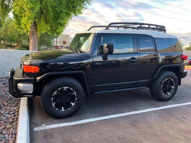 Picture of '08 Toyota FJ Cruiser located in Tempe Arizona - $13,900.00 Offered by  - ORXT