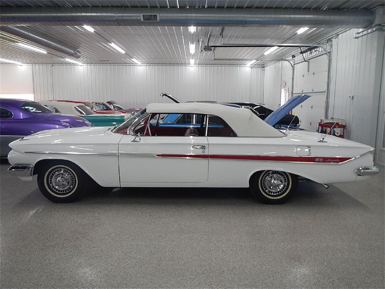 Large Picture of '61 Impala SS - ONTF