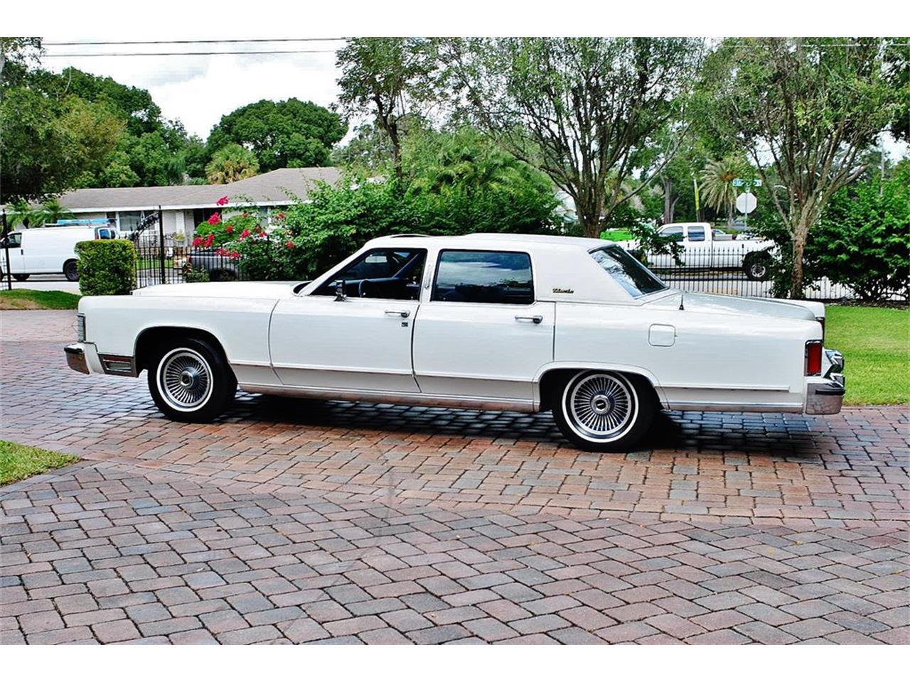 Large Picture of 1979 Continental located in Florida Offered by Primo Classic International LLC - OS3G