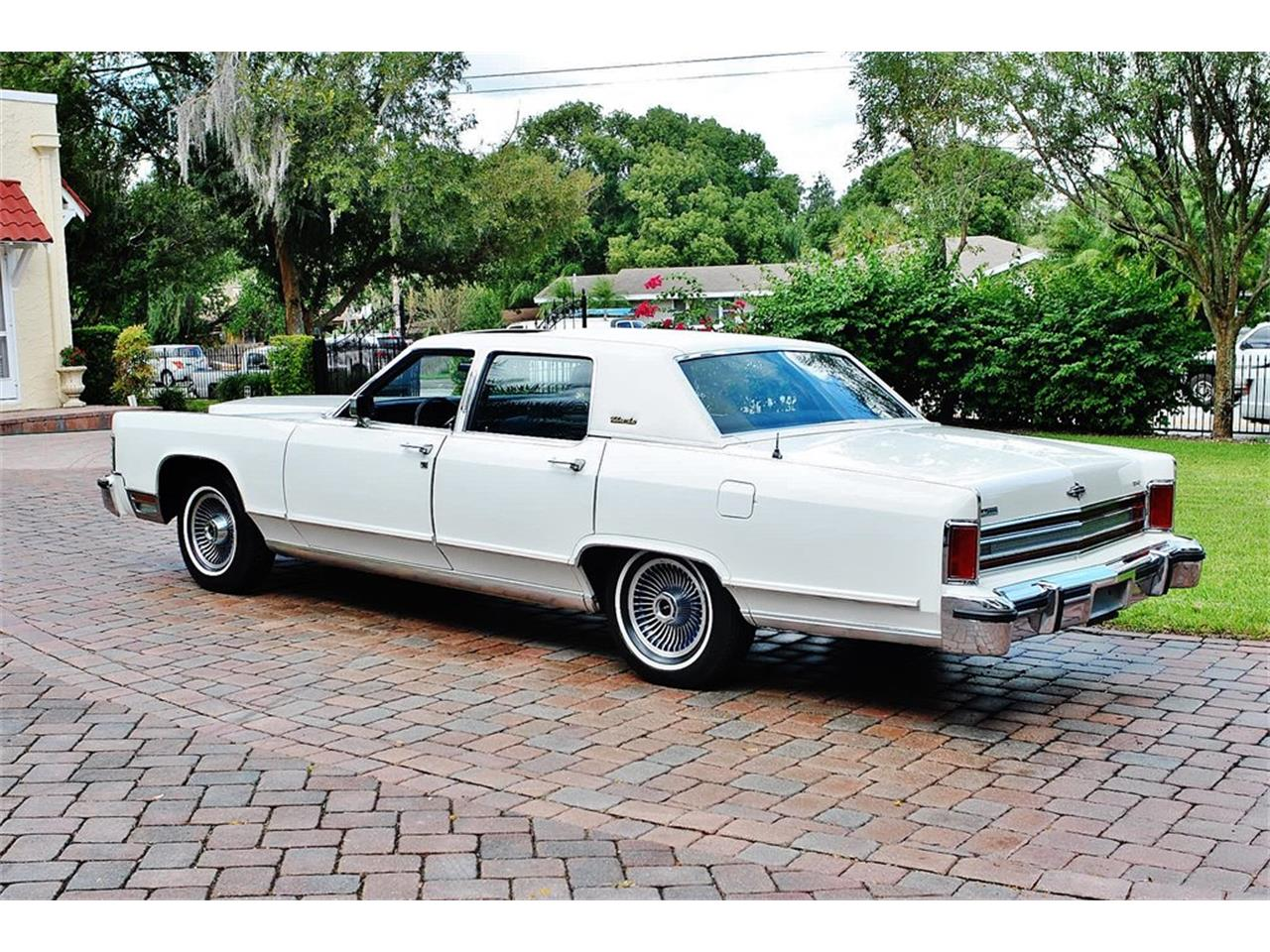 Large Picture of '79 Lincoln Continental located in Florida Offered by Primo Classic International LLC - OS3G