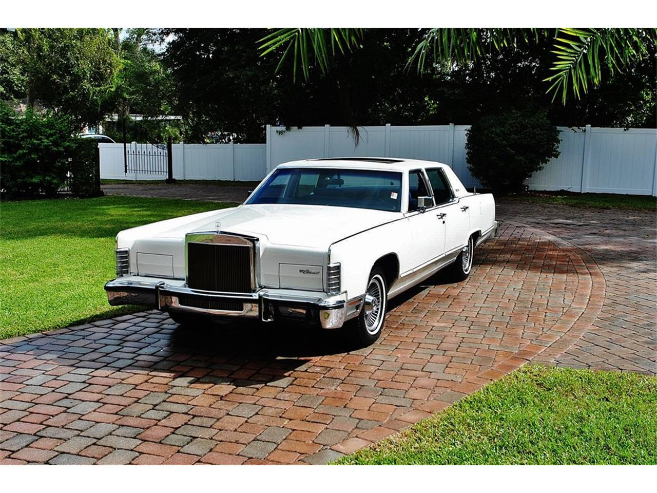 Large Picture of '79 Lincoln Continental located in Lakeland Florida Offered by Primo Classic International LLC - OS3G