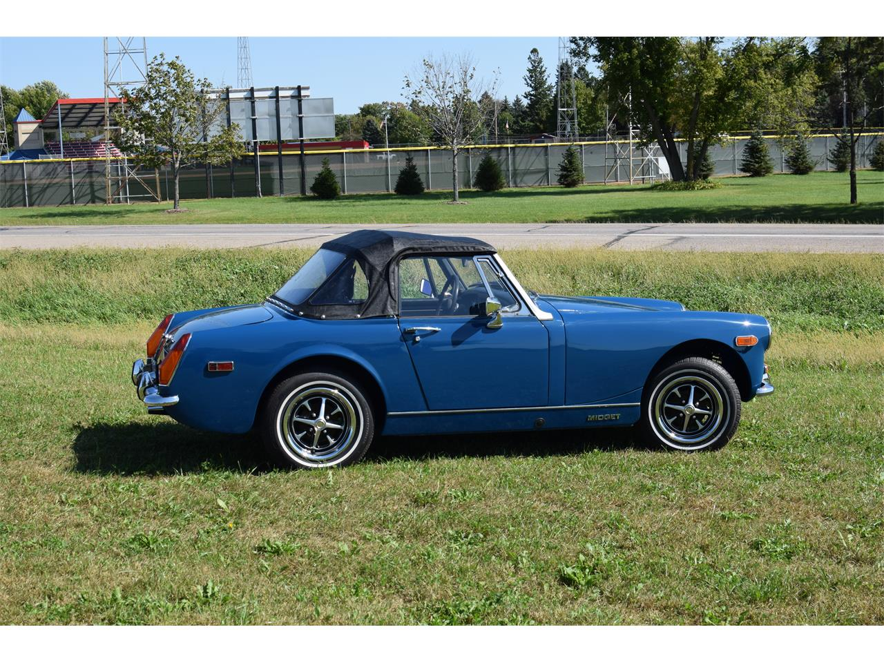 Large Picture of Classic 1972 MG Midget located in Minnesota - OS74