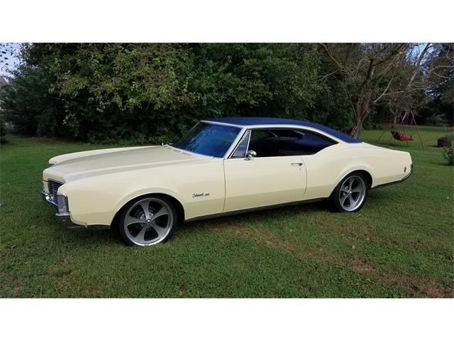 Picture of Classic 1968 Oldsmobile Delmont 88 located in Delaware Offered by a Private Seller - OTA2