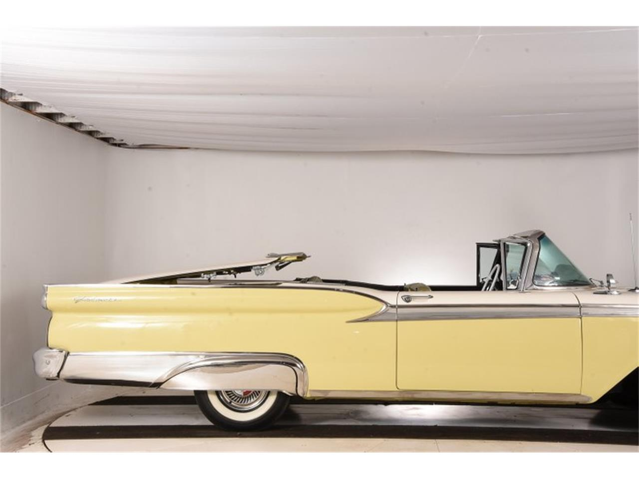 Large Picture of '59 Ford Fairlane - OTK2