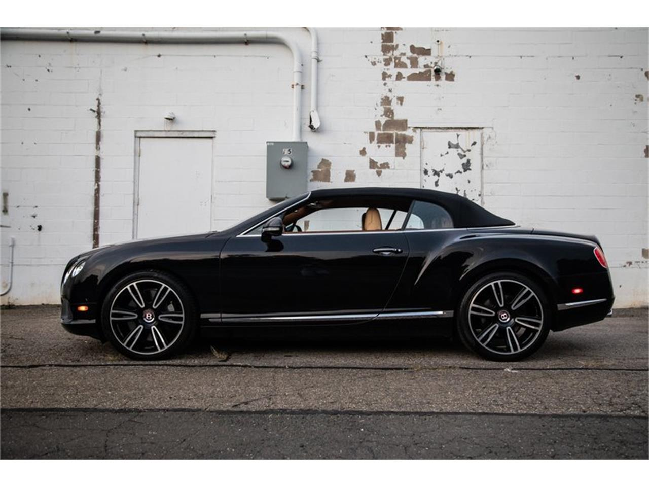 Large Picture of '13 Continental GTC Mulliner - ONZ2