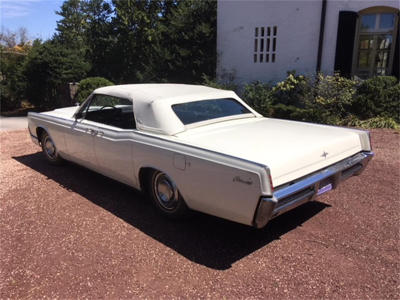 Large Picture of Classic 1967 Lincoln Continental Offered by a Private Seller - OTOG